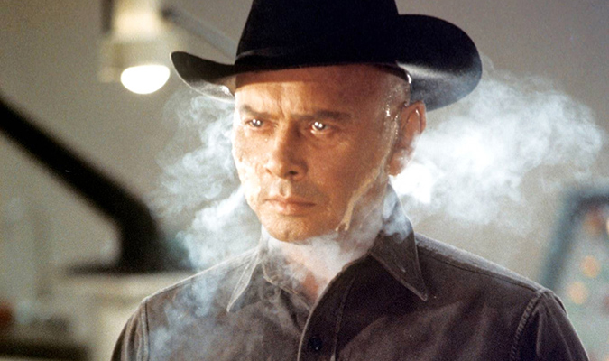 The Gunslinger (Yul Brynner) is about to face off with Martin (Richard Benjamin) in WESTWORLD.