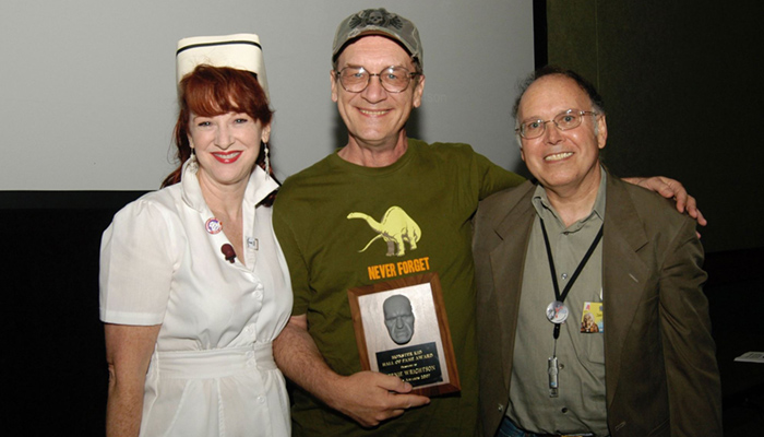 Linda Wylie and David Coulton present artist Bernie Wrightson with his Monster Kid Hall of Fame Rondo Award in 2007.