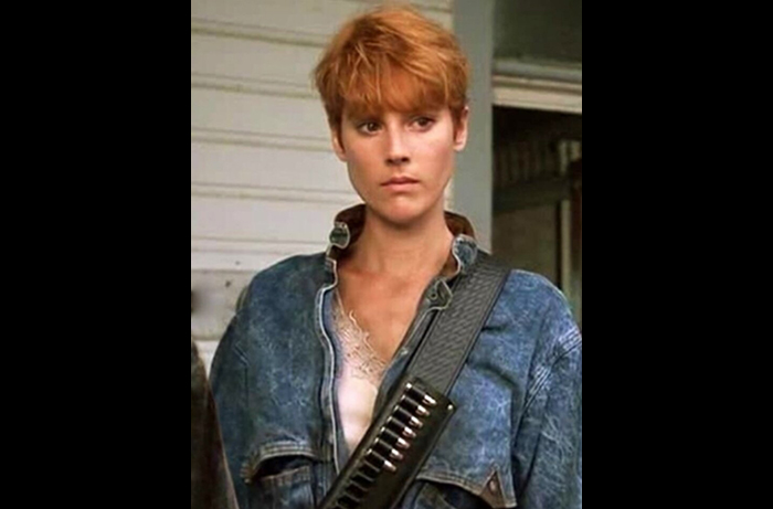 Pat Tallman as a very different Barbara in Tom Savini's 1990 remake of NIGHT OF THE LIVING DEAD.